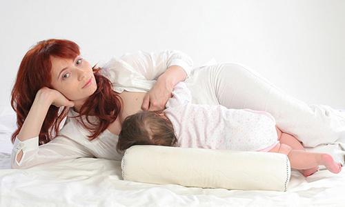 как-правильно-прикладывать-младенца-к-груди