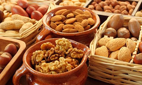 Можно ли есть грецкие орехи при кормлении