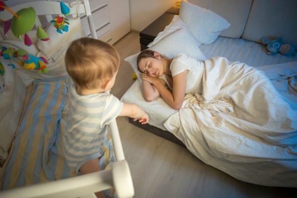 младенец не хочет спать