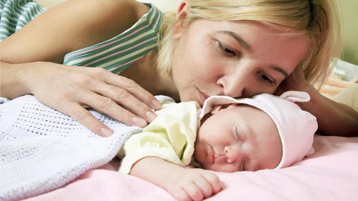 можно ли будить новорожденного для кормления