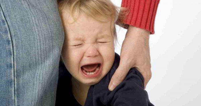 отшлепать ребенка