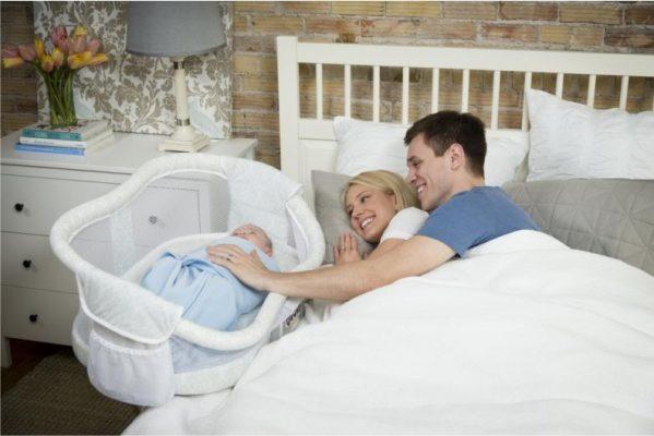спать с младенцем