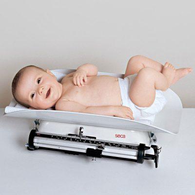 ребенок правильно набирает вес