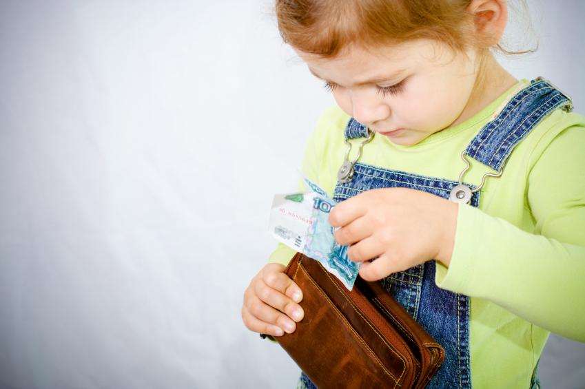 Ребенок ворует – как правильно реагировать на это?