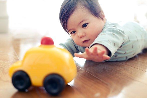 двигательные навыки у ребенка в 8 месяцев