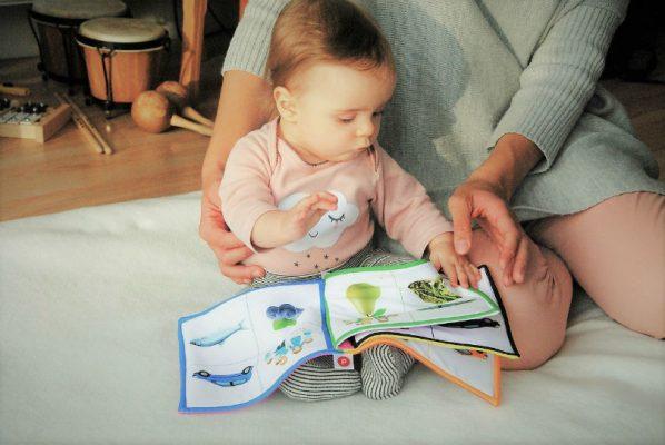 как развивать речевые навыки у ребенка в 8 месяцев