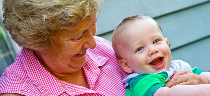 бабушка и внук-как избавиться от гиперопеки