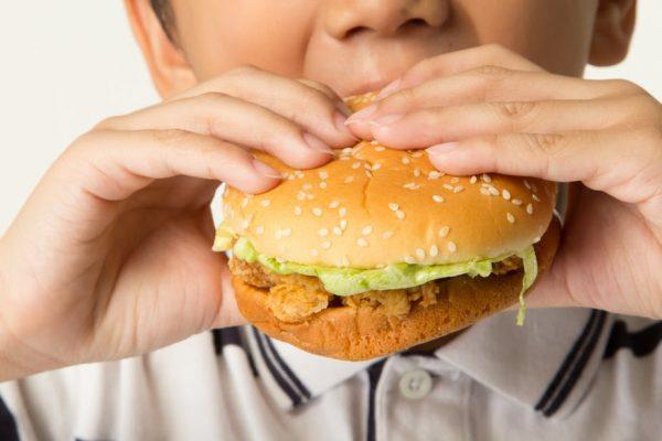 фастфуд вызывает серьезные заболевания у детей