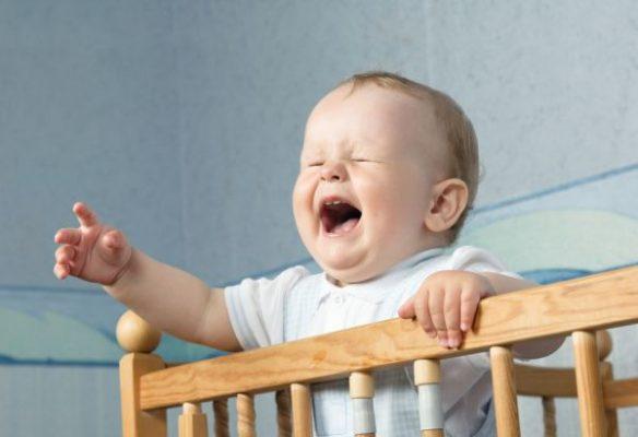 почему ребенок не хочет спать в своей кроватке