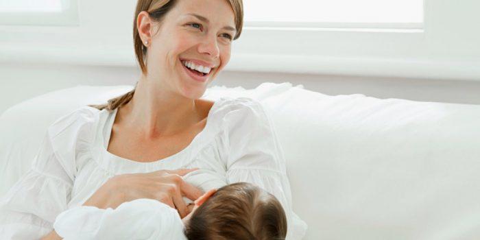 преимущества длительного грудного вскармливания
