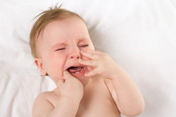 прорезывание зубов и отлучение от груди