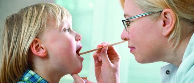 ребенок прикусил язык, осмотр врача