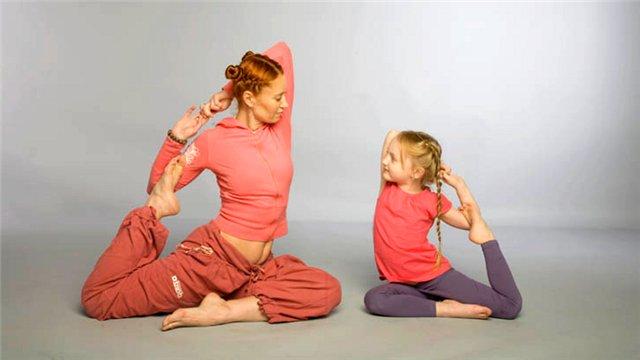 занятия йогой с ребенком