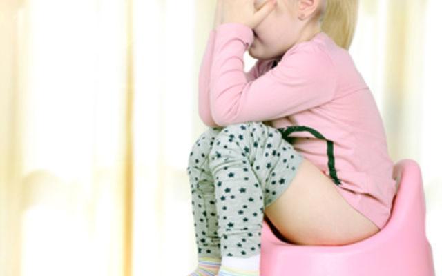 белый кал у ребенка