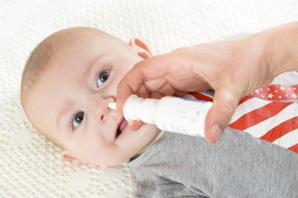 новорожденный часто чихает, что делать