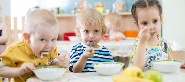 после адаптации ребенок начинает есть в детском саду