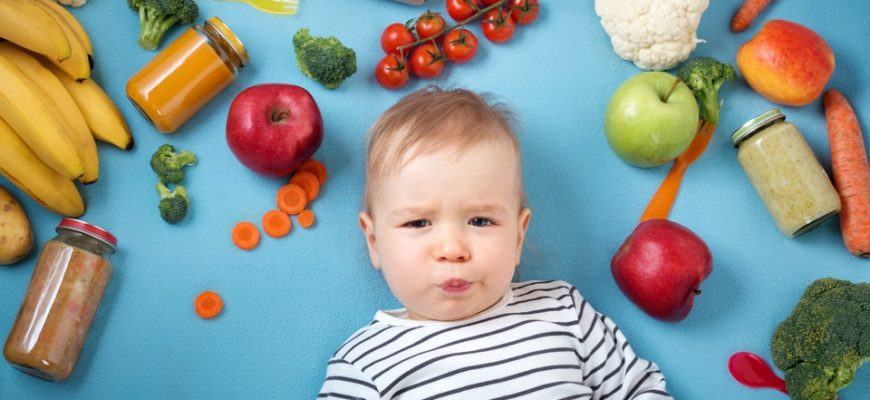 питание ребенка в год
