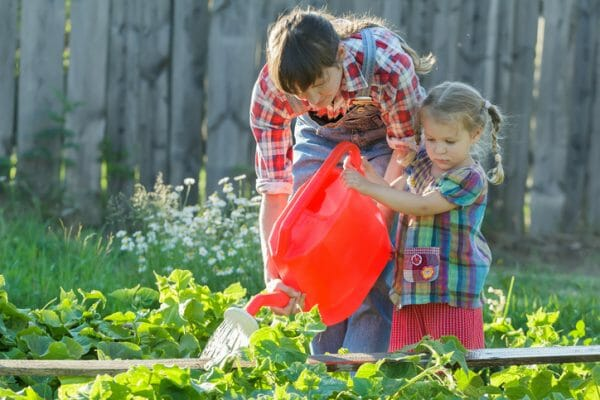 с какого возраста приучать ребенка к домашним обязанностям